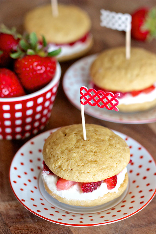 Strawberry Shortcake Whoopie Pies 6916 copy