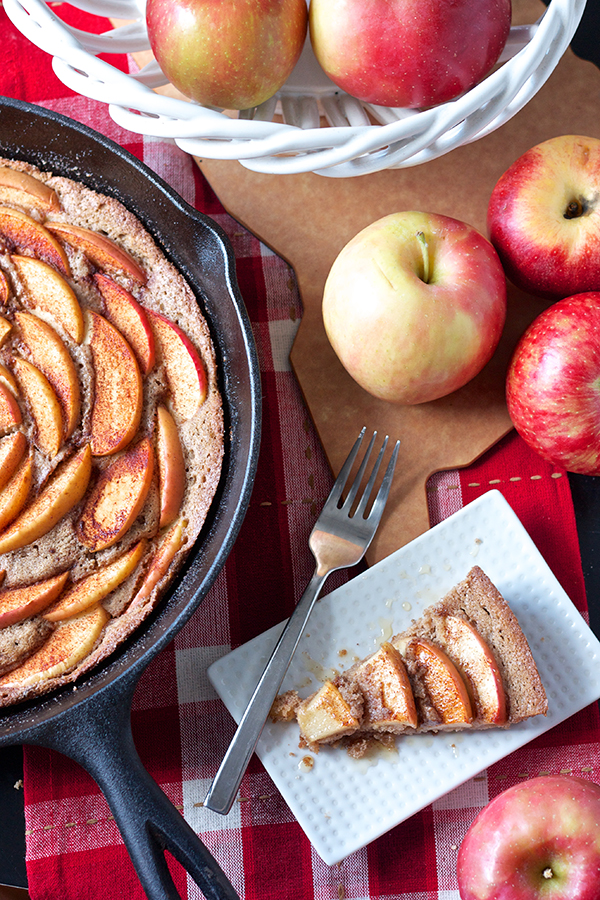 Cinnamon Apple Skillet Cake 8901 (1) copy