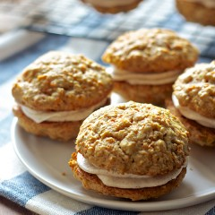 Carrot cake whoopee pies 9126 copy