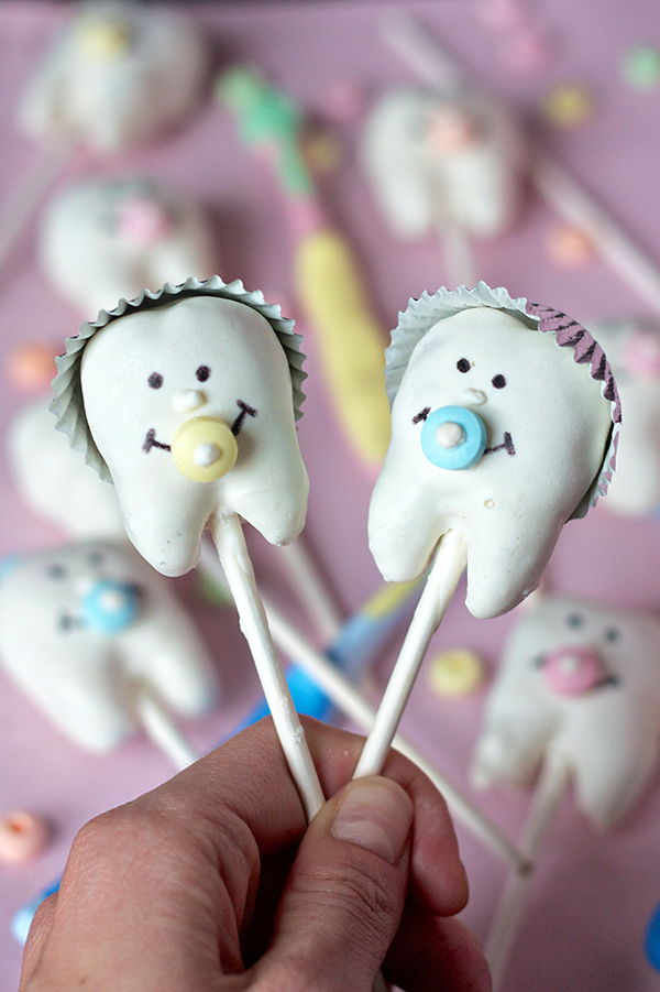 Baby Tooth Cake Pops 11017 copy