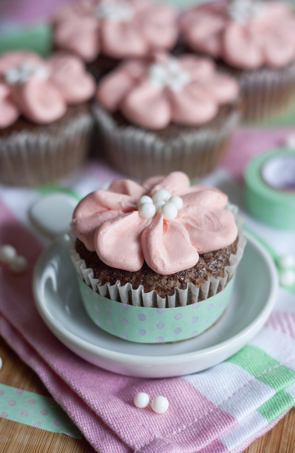 Ericas Sweet Tooth Easy Flower Cupcakes